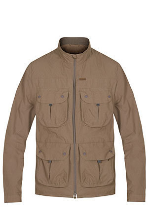 The Halcon Traveller Jacket is perfect to protect from the sun during summer trek and travel.